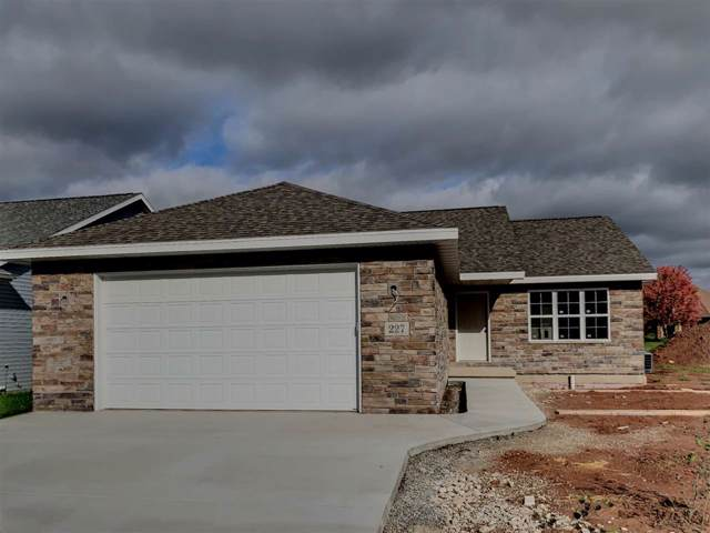 227 Royal Saint Pats Drive, Wrightstown, WI 54180 (#50213249) :: Dallaire Realty