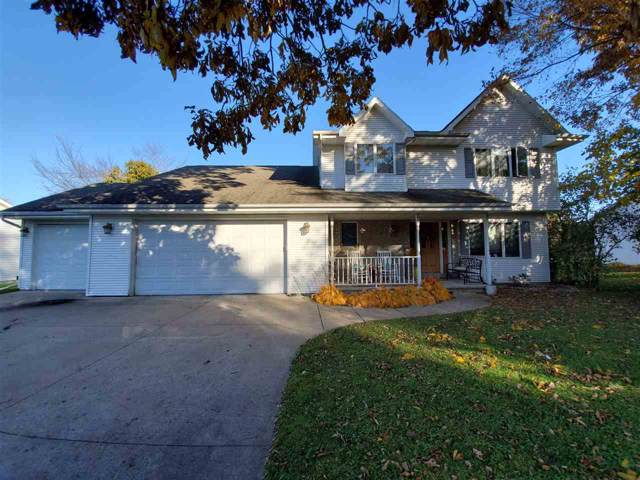 428 Forest View Road, Oshkosh, WI 54904 (#50213286) :: Todd Wiese Homeselling System, Inc.