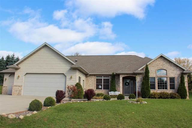 435 N Pine Grove Lane, Hortonville, WI 54944 (#50213631) :: Symes Realty, LLC