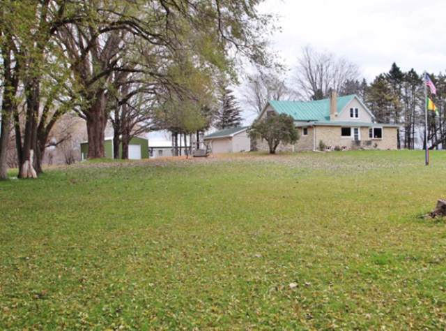 5420 Bramschreiber Road, Little Suamico, WI 54141 (#50213700) :: Symes Realty, LLC