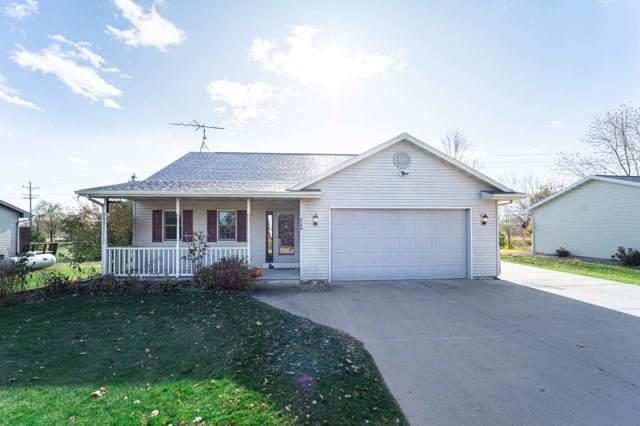 1103 Waupaca Street, Fremont, WI 54940 (#50213724) :: Todd Wiese Homeselling System, Inc.
