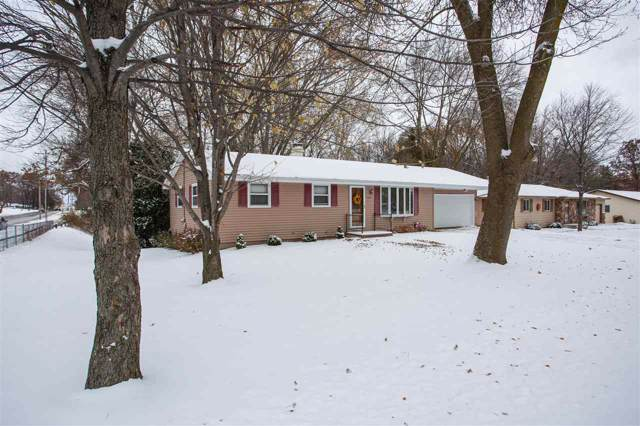 2436 W Point Road, Green Bay, WI 54304 (#50214124) :: Dallaire Realty