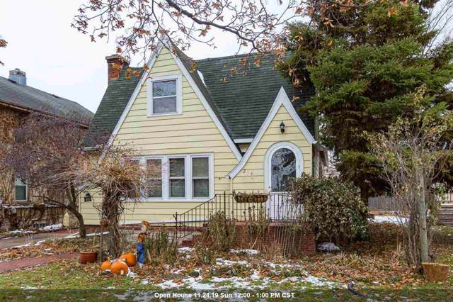 214 Bond Street, Neenah, WI 54956 (#50214207) :: Todd Wiese Homeselling System, Inc.