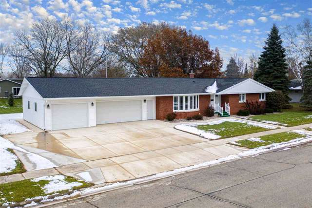722 Lee Avenue, Brillion, WI 54110 (#50214308) :: Todd Wiese Homeselling System, Inc.