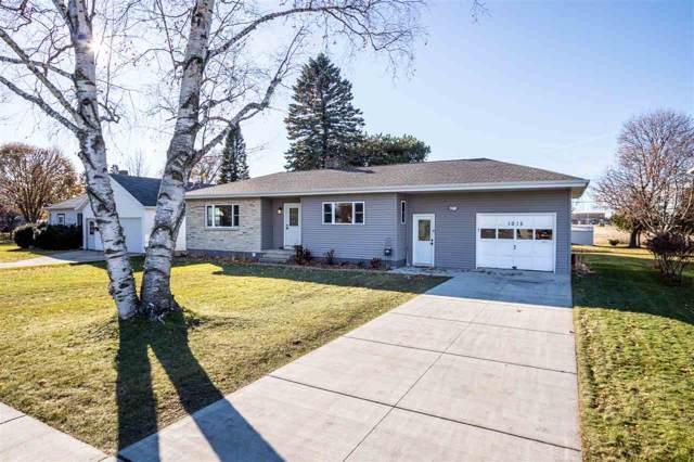 1015 1ST Street, Kewaunee, WI 54216 (#50214548) :: Todd Wiese Homeselling System, Inc.