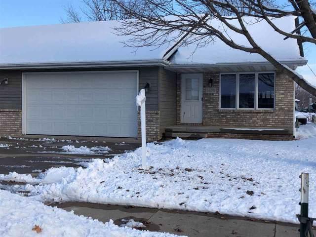 3670 N Terri Lane, Appleton, WI 54914 (#50214676) :: Todd Wiese Homeselling System, Inc.