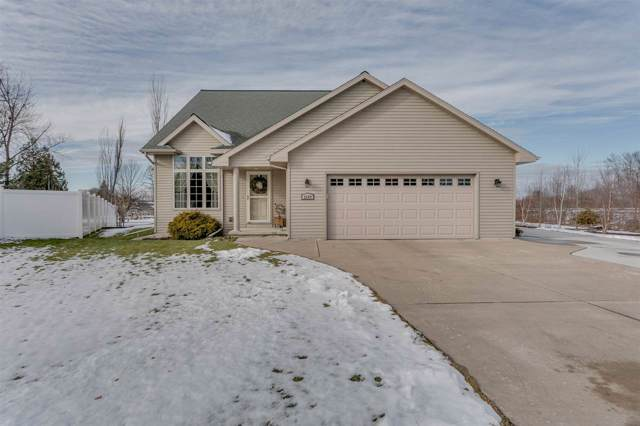 2569 Hidden Meadow Court, Green Bay, WI 54311 (#50215547) :: Todd Wiese Homeselling System, Inc.