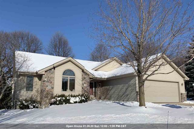 588 Ledgewood Drive, Fond Du Lac, WI 54937 (#50215561) :: Todd Wiese Homeselling System, Inc.
