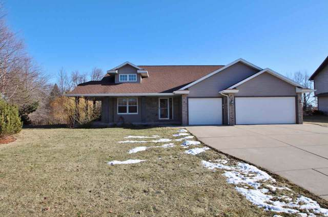 2011 Old Plank Court, De Pere, WI 54115 (#50215680) :: Todd Wiese Homeselling System, Inc.