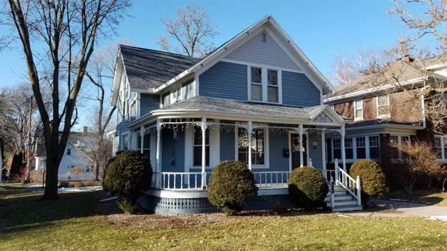 926 S Jackson Street, Green Bay, WI 54301 (#50215860) :: Todd Wiese Homeselling System, Inc.