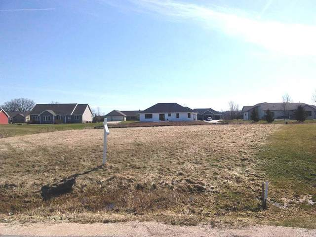 Hideaway Court, Fond Du Lac, WI 54937 (#50215876) :: Todd Wiese Homeselling System, Inc.