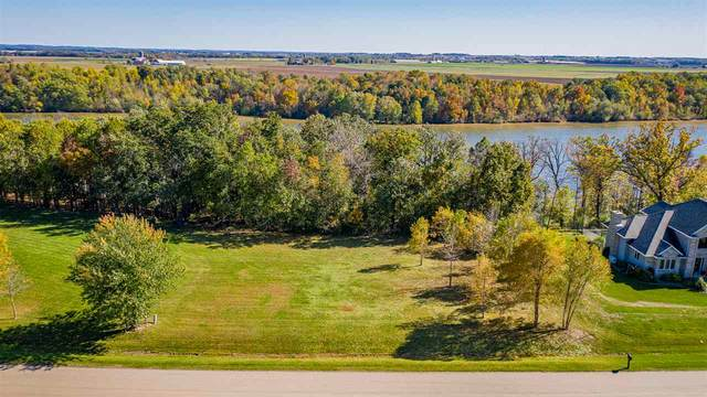 River Forest Drive, Kaukauna, WI 54130 (#50215933) :: Town & Country Real Estate