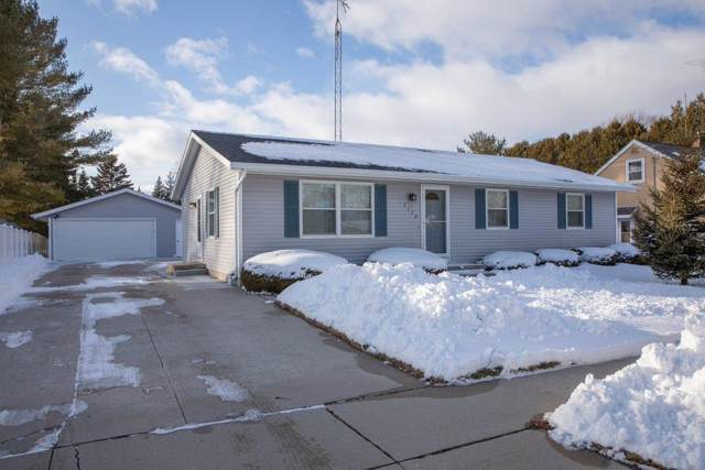 1154 S 39TH Street, Manitowoc, WI 54220 (#50216363) :: Todd Wiese Homeselling System, Inc.