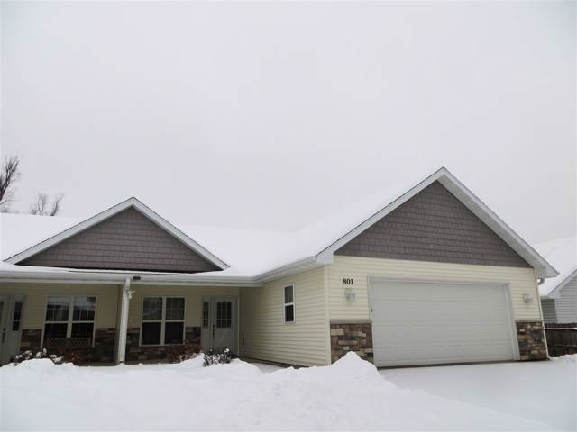 801 W Cook Street #8, New London, WI 54961 (#50216446) :: Todd Wiese Homeselling System, Inc.