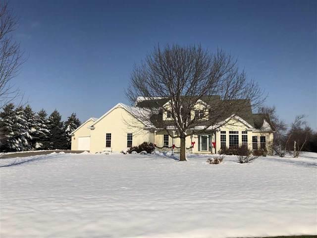 7573 Sunburst Lane, Neenah, WI 54956 (#50216938) :: Todd Wiese Homeselling System, Inc.
