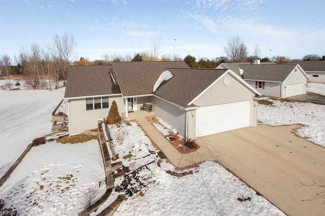5027 Nooyen Heights Drive, New Franken, WI 54229 (#50216994) :: Todd Wiese Homeselling System, Inc.
