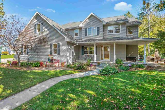 331 Longwood Lane, Wrightstown, WI 54180 (#50217186) :: Dallaire Realty