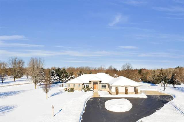 2908 Hidden Lake Lane, Green Bay, WI 54313 (#50217668) :: Dallaire Realty