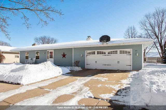 3112 N Peach Tree Lane, Appleton, WI 54911 (#50217745) :: Dallaire Realty