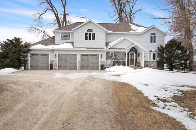 W3415 State Road 21, Berlin, WI 54923 (#50218045) :: Todd Wiese Homeselling System, Inc.