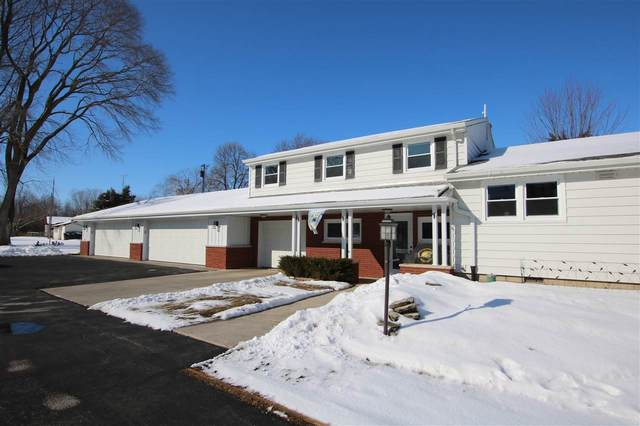 N7421 Lakeshore Drive, Fond Du Lac, WI 54937 (#50218104) :: Todd Wiese Homeselling System, Inc.