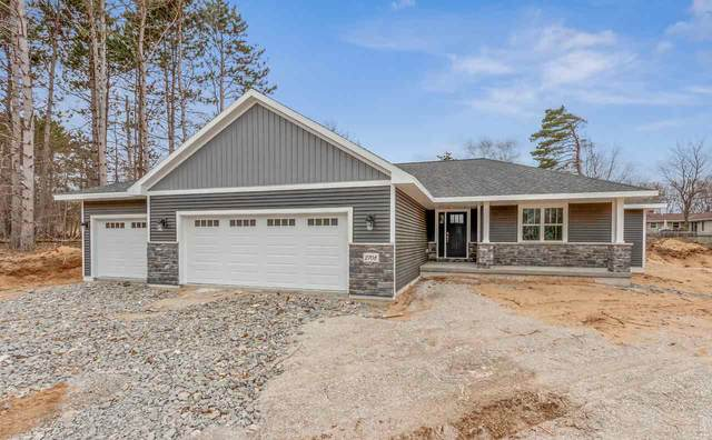 2708 Lafayette Drive, Green Bay, WI 54304 (#50218126) :: Todd Wiese Homeselling System, Inc.
