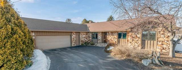 820 Riverside Drive, Suamico, WI 54173 (#50218560) :: Todd Wiese Homeselling System, Inc.