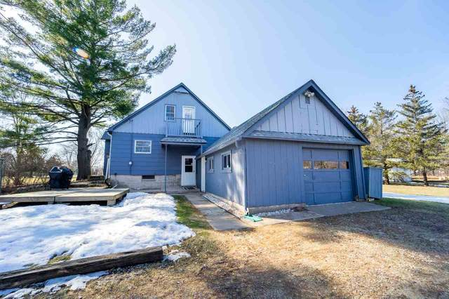 8692 River Trail Drive, Fremont, WI 54940 (#50219241) :: Todd Wiese Homeselling System, Inc.
