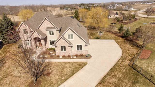 4230 N Honeywood Court, Appleton, WI 54913 (#50219766) :: Todd Wiese Homeselling System, Inc.