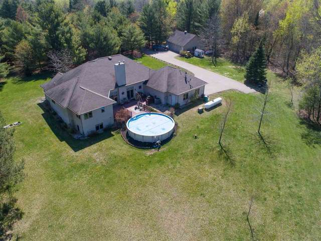 N9241 Carper Road, Iola, WI 54945 (#50220337) :: Dallaire Realty