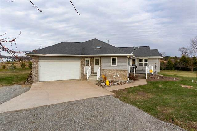 W7205 Newland Road, Black Creek, WI 54106 (#50220849) :: Ben Bartolazzi Real Estate Inc