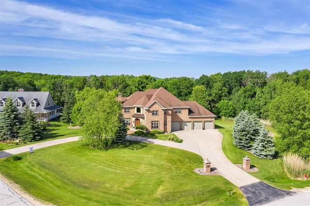 2520 Meadow Breeze Court, De Pere, WI 54115 (#50221014) :: Todd Wiese Homeselling System, Inc.