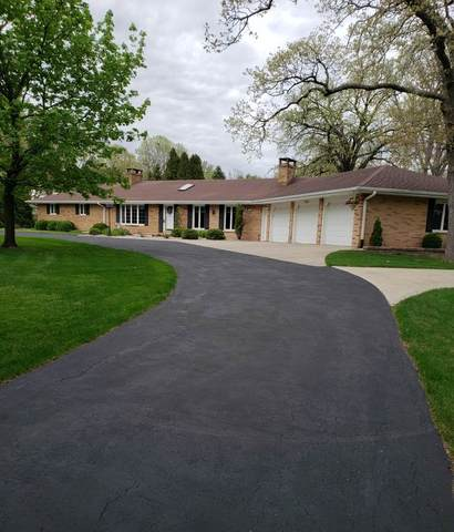 1350 Circle Drive, Green Bay, WI 54313 (#50222288) :: Todd Wiese Homeselling System, Inc.