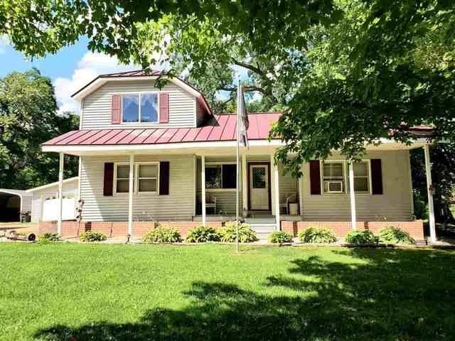 810 Main Street, Ogdensburg, WI 54962 (#50222332) :: Ben Bartolazzi Real Estate Inc