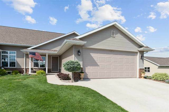 520 Coonen Drive, Combined Locks, WI 54113 (#50222964) :: Todd Wiese Homeselling System, Inc.