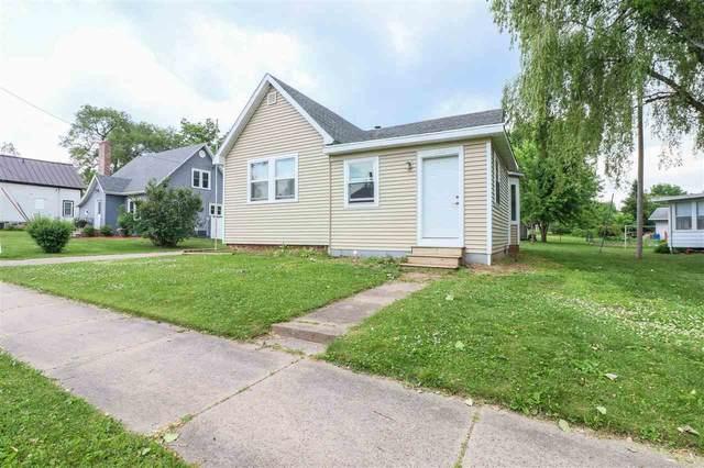 135 W 4TH Street, Manawa, WI 54949 (#50224009) :: Carolyn Stark Real Estate Team