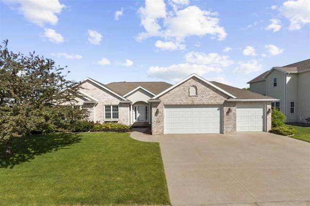 4116 E Glory Lane, Appleton, WI 54913 (#50224204) :: Todd Wiese Homeselling System, Inc.
