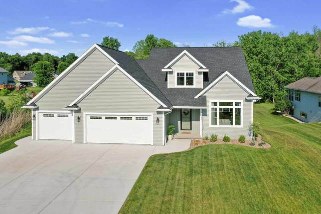 2784 Harbor Cove Lane, Green Bay, WI 54313 (#50224986) :: Todd Wiese Homeselling System, Inc.