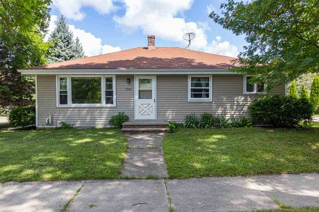 1320 W Lindbergh Street, Appleton, WI 54914 (#50226630) :: Dallaire Realty