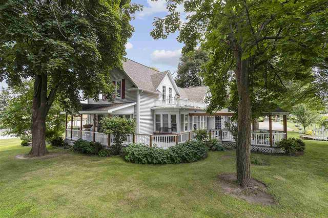 2002 N Lynndale Drive, Appleton, WI 54914 (#50226638) :: Ben Bartolazzi Real Estate Inc