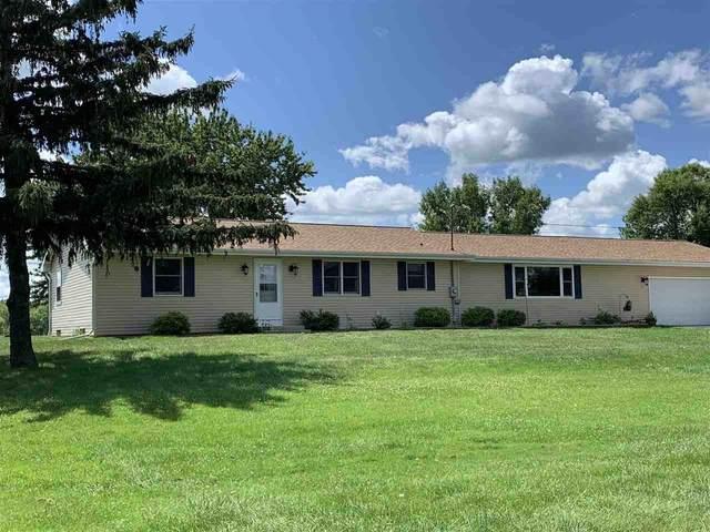 6877 Wentzel Shore Road, Winneconne, WI 54986 (#50226750) :: Ben Bartolazzi Real Estate Inc