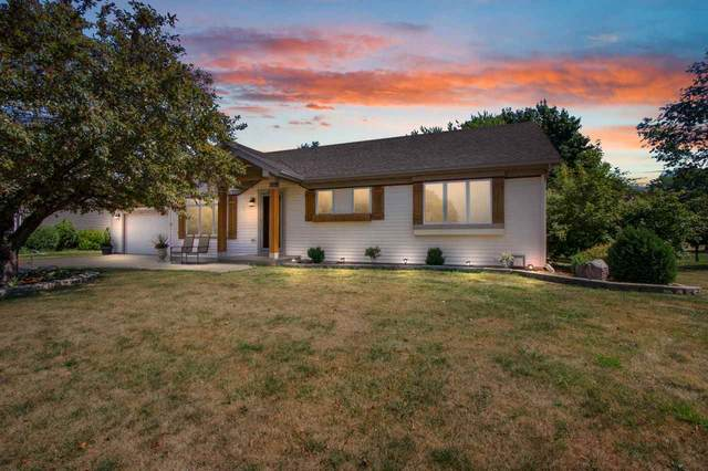 2104 Fieldcrest Drive, Kaukauna, WI 54130 (#50227878) :: Carolyn Stark Real Estate Team