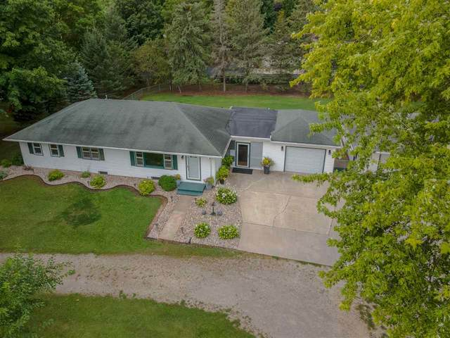 3586 Fairview Road, Neenah, WI 54956 (#50228194) :: Carolyn Stark Real Estate Team