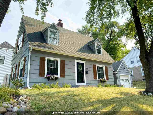701 Allouez Terrace, Green Bay, WI 54301 (#50228338) :: Todd Wiese Homeselling System, Inc.