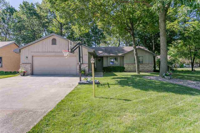 711 Indianwood Court, Neenah, WI 54956 (#50229145) :: Dallaire Realty