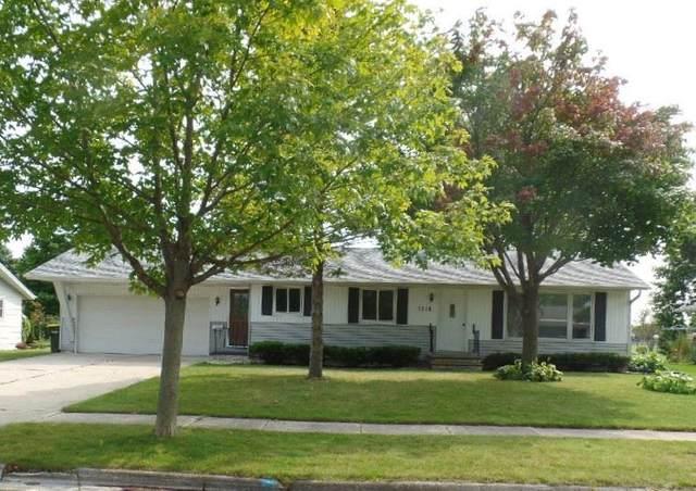 1316 Vliet Street, Kewaunee, WI 54216 (#50229360) :: Town & Country Real Estate