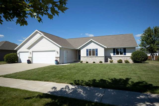 3928 E Ashbury Drive, Appleton, WI 54913 (#50229399) :: Todd Wiese Homeselling System, Inc.