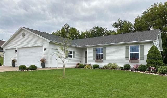W6407 Rocky Mountain Drive, Greenville, WI 54942 (#50229417) :: Ben Bartolazzi Real Estate Inc