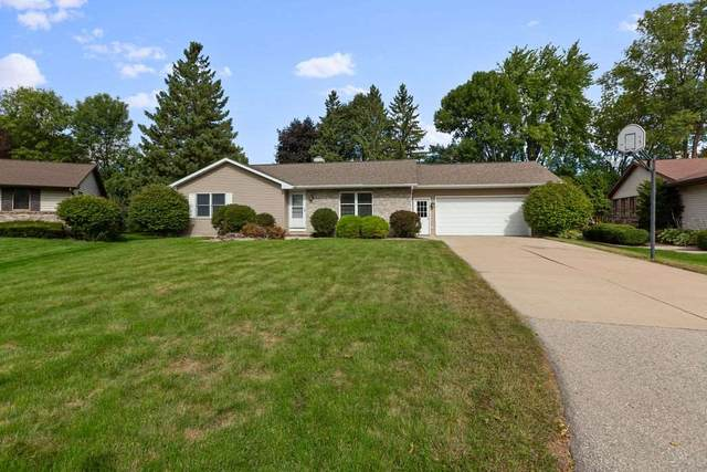2340 W Wintergreen Drive, Appleton, WI 54914 (#50229553) :: Carolyn Stark Real Estate Team