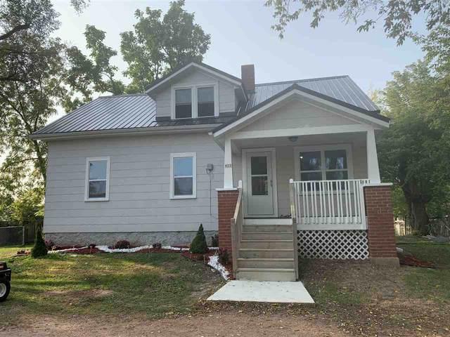 422 Pulaski Street, Pulaski, WI 54162 (#50229733) :: Symes Realty, LLC